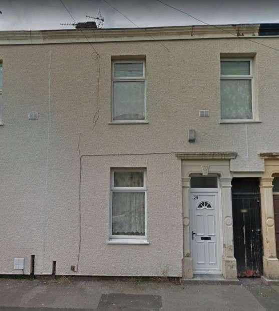 3 Bedrooms Terraced House for sale in Calverley Street, Preston, PR1