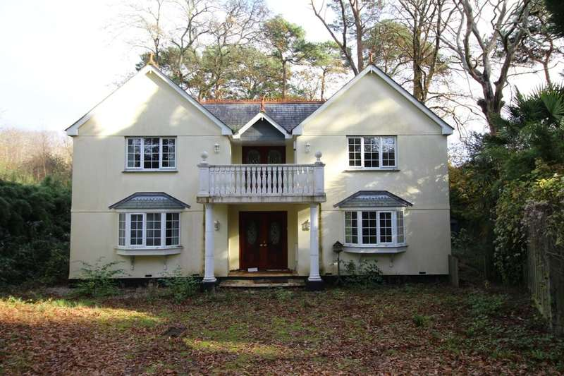 4 Bedrooms Detached House for sale in Appletree Lane, Carlyon Bay, St. Austell, PL25