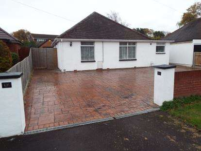 3 Bedrooms Bungalow for sale in Stubbington, Hampshire
