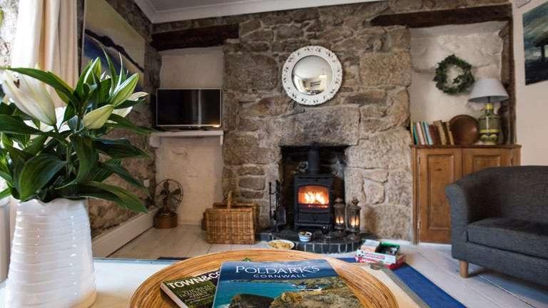 1 Bedroom House for sale in Vivian Terrace, Mousehole, Penzance