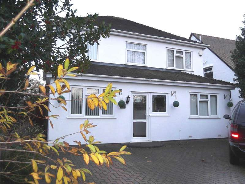 5 Bedrooms Detached House for rent in Phillips Lane, Formby, L37 4AZ