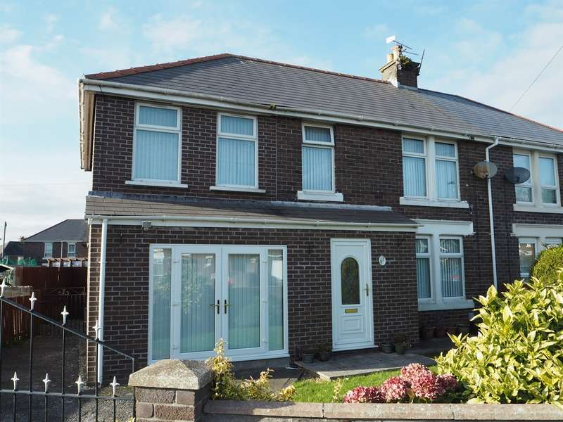 4 Bedrooms Semi Detached House for sale in St Fagans Avenue, Barry