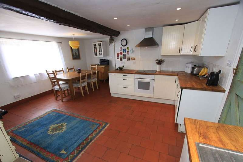 6 Bedrooms Farm House Character Property for sale in Ollerton, Market Drayton, Shropshire, TF9 2BU