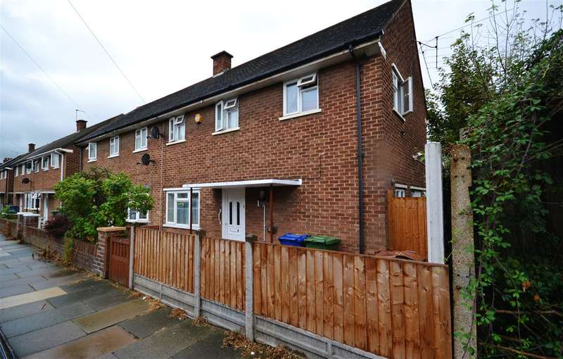 3 Bedrooms Semi Detached House for sale in Quebec Road, Tilbury