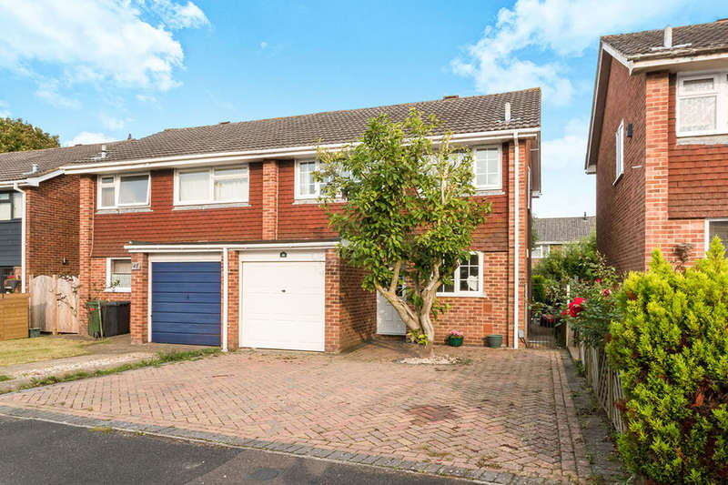 3 Bedrooms Semi Detached House for sale in Coates Close, Basingstoke, RG22