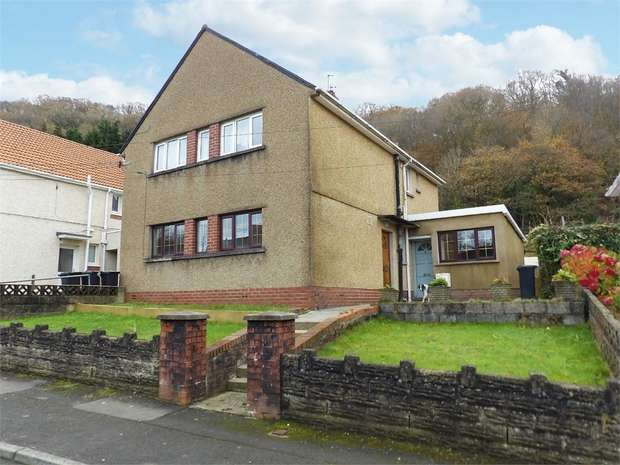 2 Bedrooms Flat for sale in Dan Y Bryn, Tonna, Neath, West Glamorgan