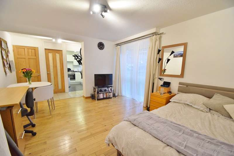 Flat for sale in Winchester