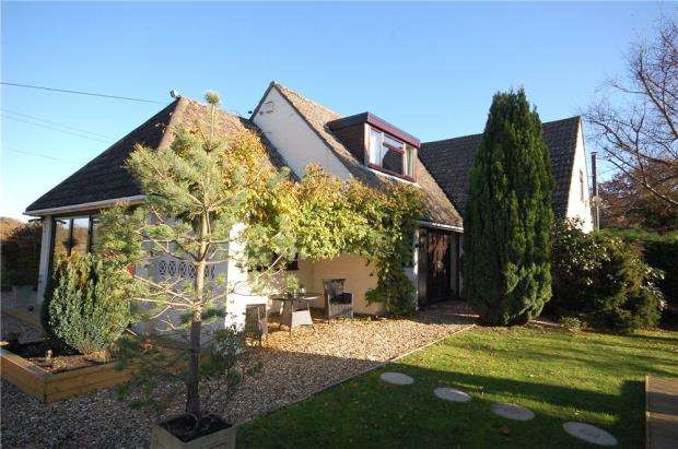 4 Bedrooms Detached House for sale in St Leonards, Ringwood, Hampshire, BH24