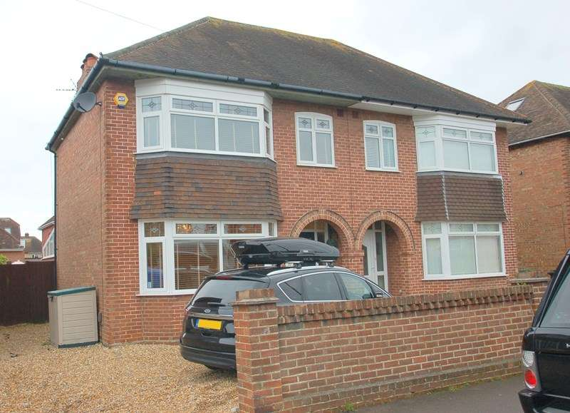 3 Bedrooms Semi Detached House for sale in St. Andrews Road, Gosport