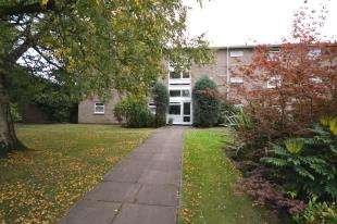 3 Bedrooms Flat for sale in Shrublands Court, Sandrock Road, Tunbridge Wells, Kent