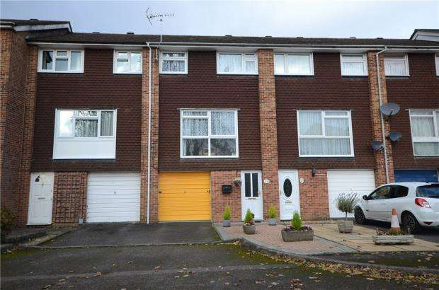 3 Bedrooms Terraced House for sale in Cambridge Road, Aldershot, Hampshire