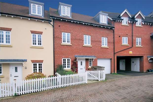 3 Bedrooms Terraced House for sale in Parrin Drive, Wendover, Buckinghamshire