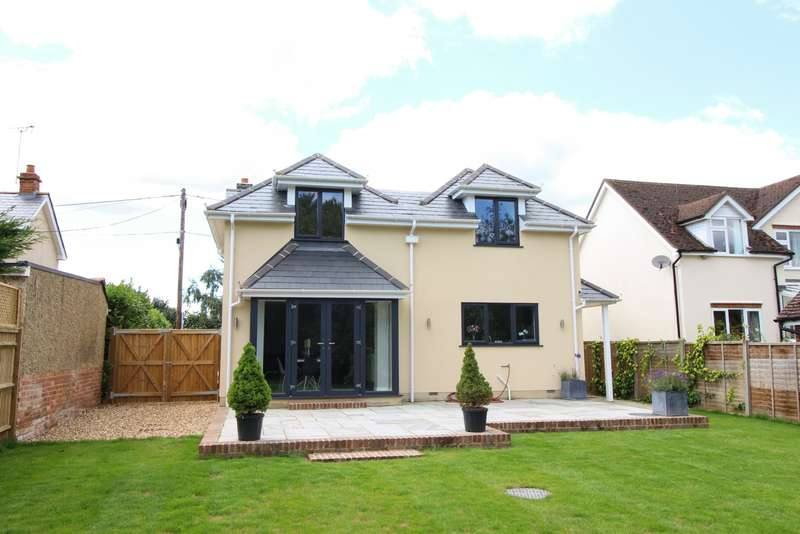 4 Bedrooms Detached House for sale in Chalkhouse Green Lane, Chalkhouse Green, RG4