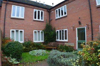 1 Bedroom Flat for sale in Swan Mews, Swan Road, Lichfield, Staffordshire