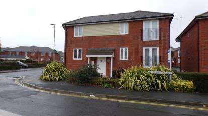 2 Bedrooms Flat for sale in Peronne Road, Portsmouth, Hampshire