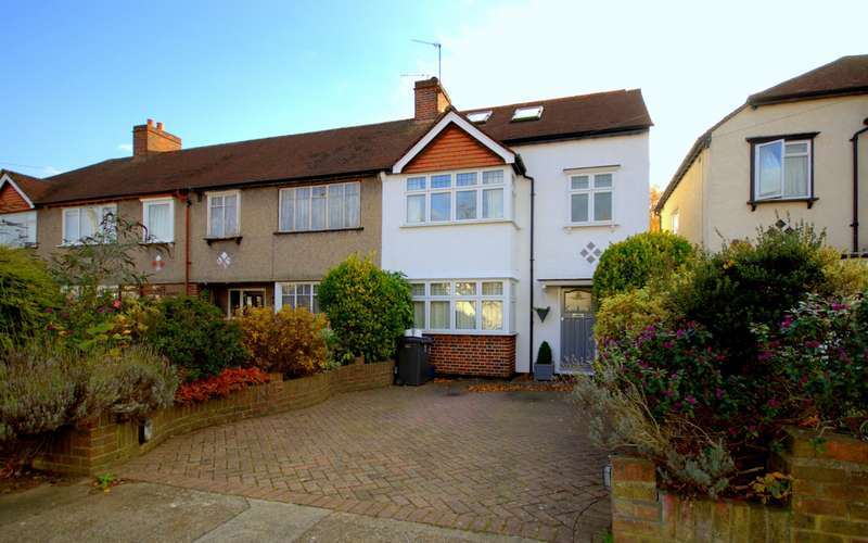 4 Bedrooms End Of Terrace House for sale in Old Malden