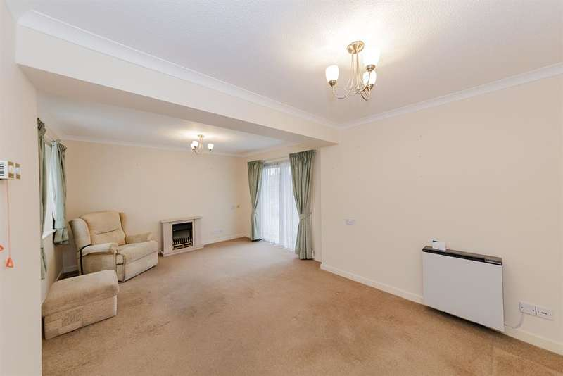 2 Bedrooms Retirement Property for sale in The Cloisters, Carnegie Road, Worthing, BN14 7BF