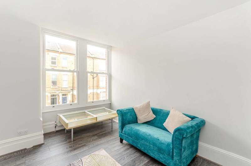 2 Bedrooms Flat for sale in Glengall Road, Kilburn, NW6