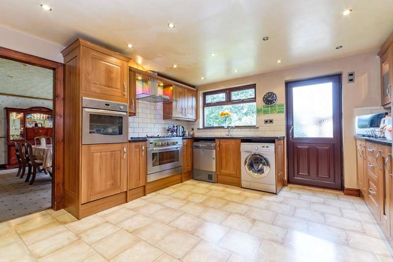 4 Bedrooms Bungalow for sale in Nantwich Drive, Craigentinny, Edinburgh, EH7 6QS