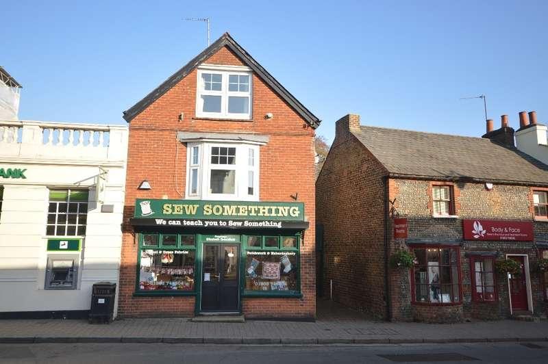 2 Bedrooms Flat for sale in High Street, Storrington, RH20