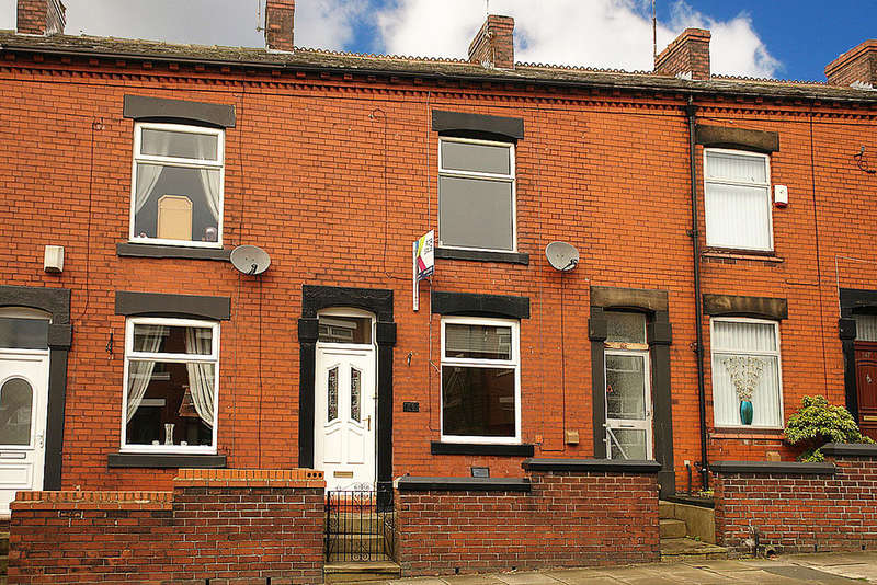 2 Bedrooms Terraced House for sale in High Barn Street, Royton, Oldham