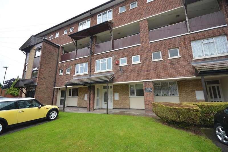 3 Bedrooms Duplex Flat for rent in Broomcroft Road, Kingshurst