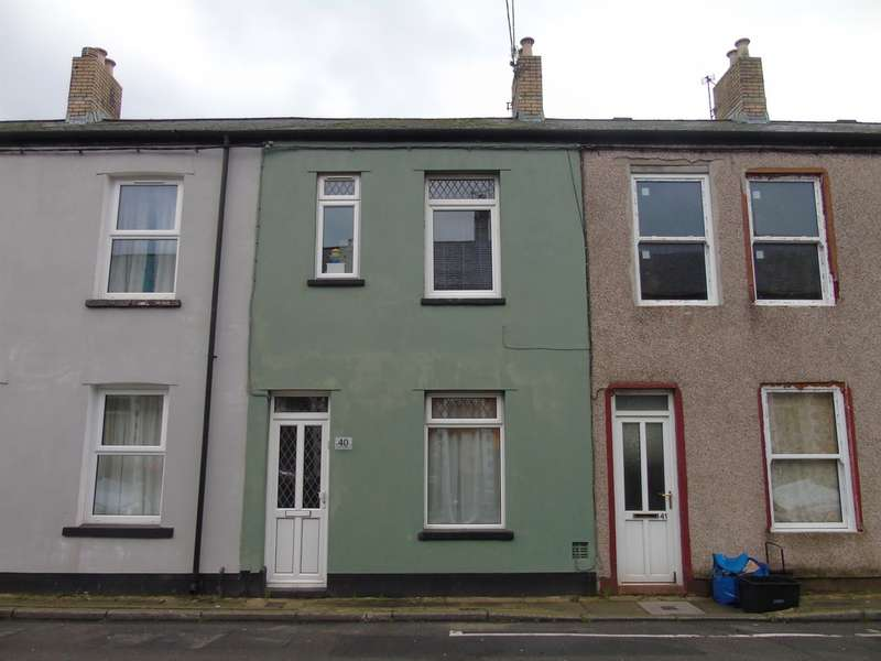 3 Bedrooms Terraced House for sale in Oxford Street, Griffithstown, Pontypool