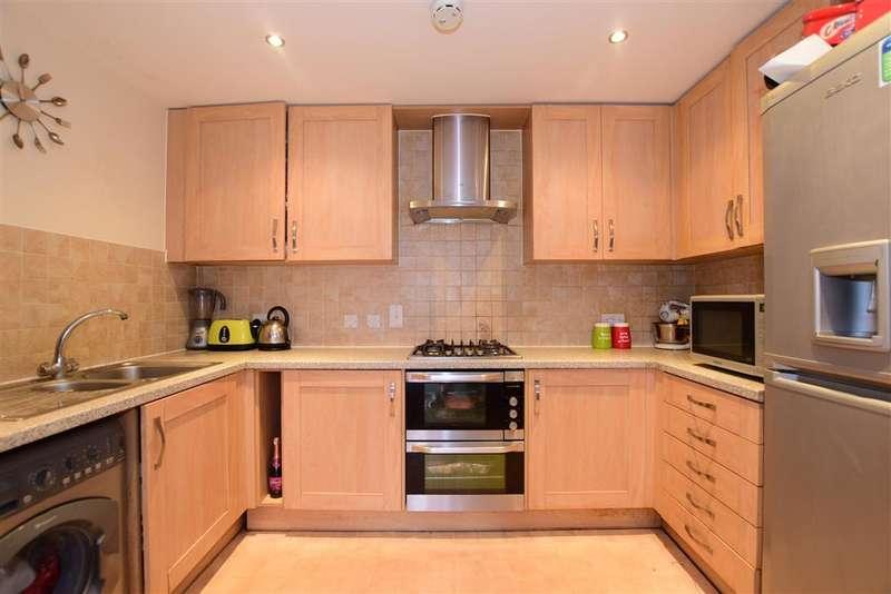 2 Bedrooms Flat for sale in Black Eagle Drive, Northfleet, Gravesend, Kent