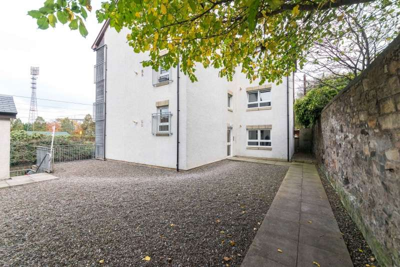 1 Bedroom Flat for sale in Clockmill Lane, Meadowbank, Edinburgh, EH8 8HY