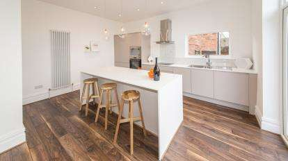 3 Bedrooms Semi Detached House for sale in Moorland Road, Woodsmoor, Stockport, Cheshire
