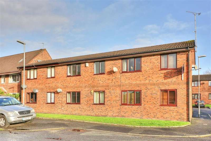 1 Bedroom Flat for sale in Chatwell Court, Newhey, Rochdale, OL16 3RA