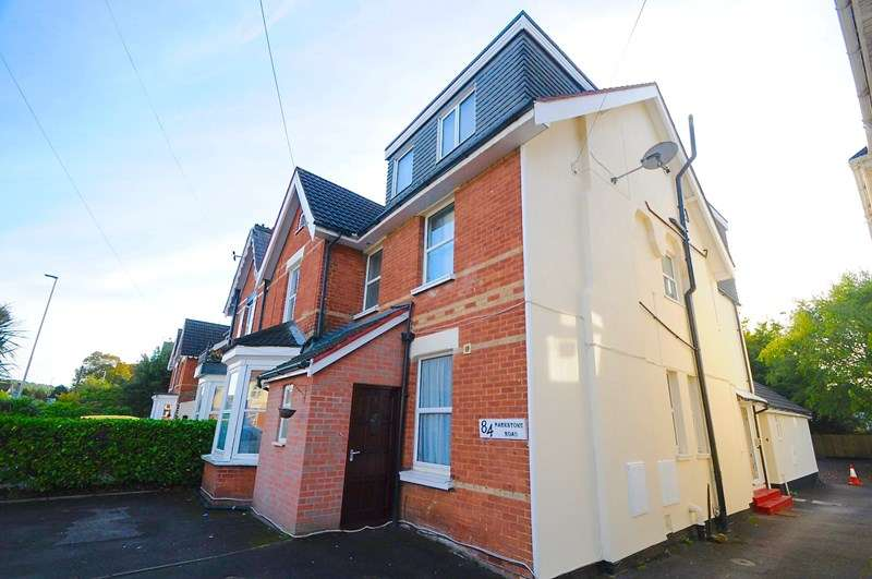 2 Bedrooms Flat for sale in Parkstone Road, Poole