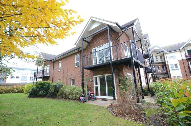2 Bedrooms Apartment Flat for sale in Merydene Court, London Road, Bracknell
