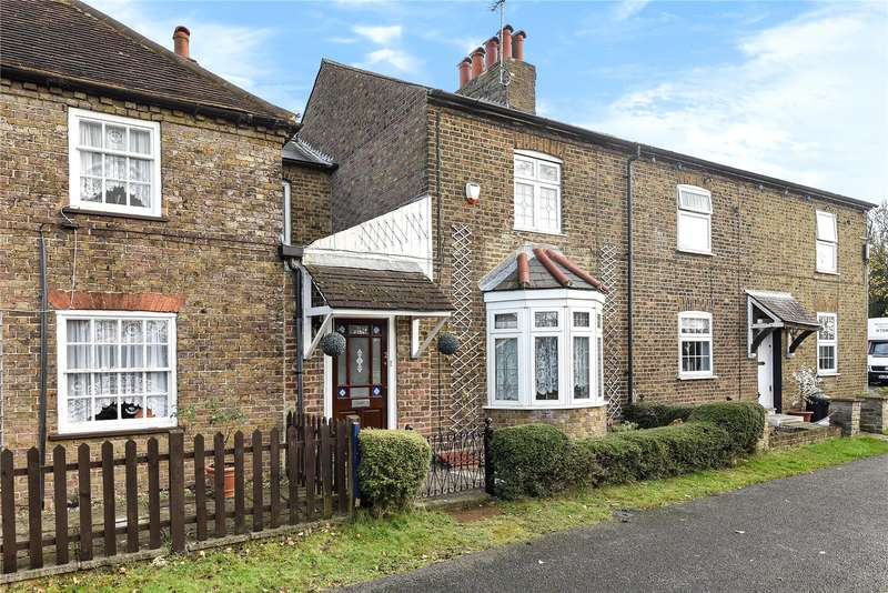 3 Bedrooms Terraced House for sale in Moorcroft Lane, Uxbridge, Middlesex, UB8