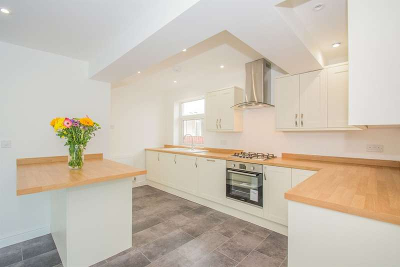 2 Bedrooms Semi Detached Bungalow for sale in Heol Pant Y Rhyn, Cardiff