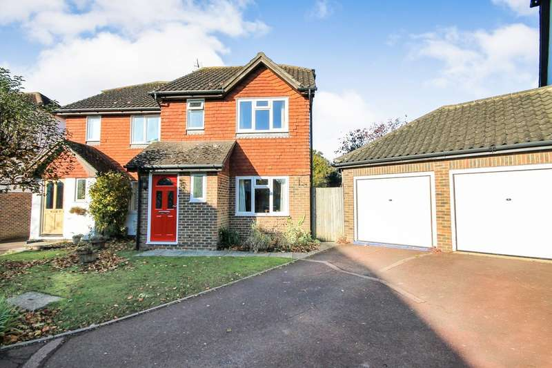 3 Bedrooms Semi Detached House for sale in Dukes Meadow, Chiddingstone Causeway
