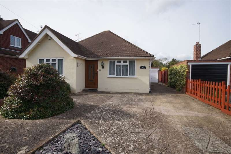 3 Bedrooms Detached House for sale in Wroxham Road, Woodley, READING, Berkshire