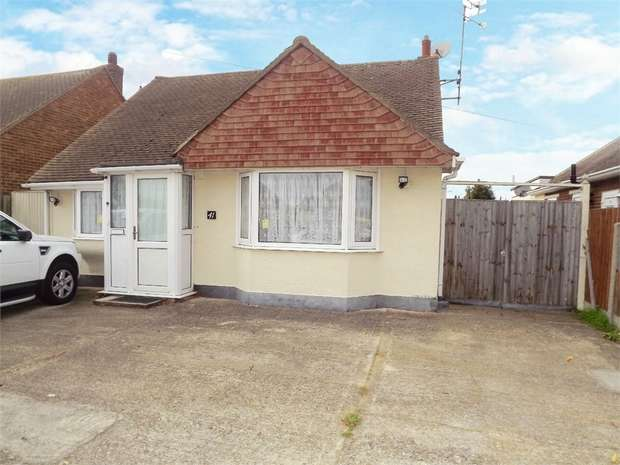 4 Bedrooms Detached Bungalow for sale in Chestnut Drive, Herne Bay, Kent