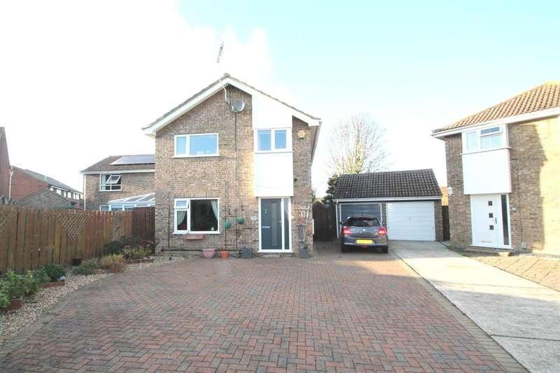 4 Bedrooms House for sale in Melford Way, Felixstowe