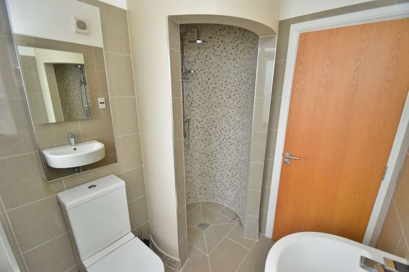 2 Bedrooms Semi Detached House for sale in Kings Worthy