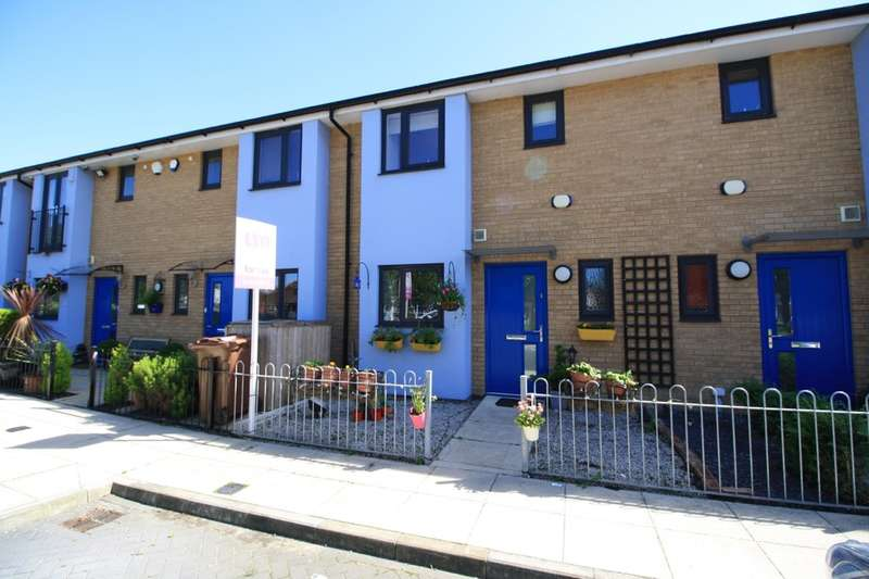 3 Bedrooms Terraced House for sale in Arcany Road, South Ockendon