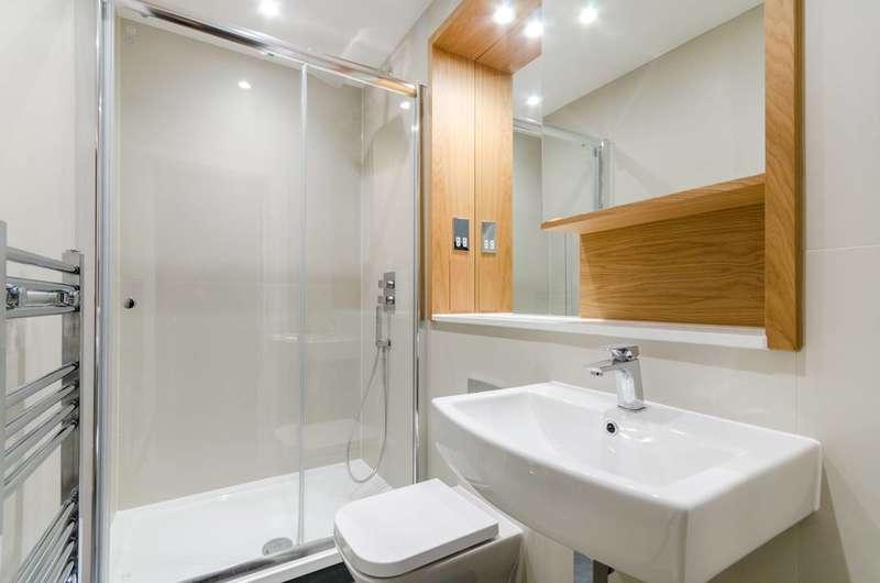 Studio Flat for sale in Craneshaw House, Hounslow, TW3