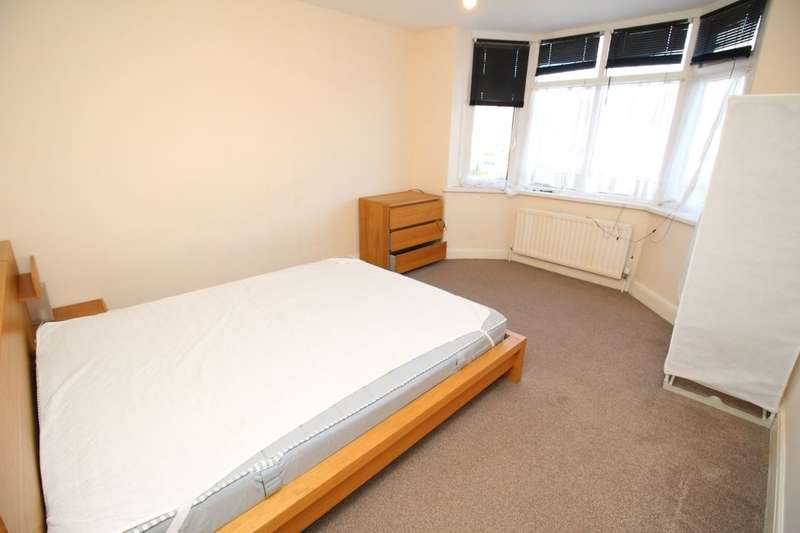 House Share for rent in Fair Oak Road, Bishopstoke, Eastleigh, SO50