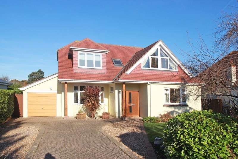 4 Bedrooms Bungalow for sale in Cross Way, Christchurch