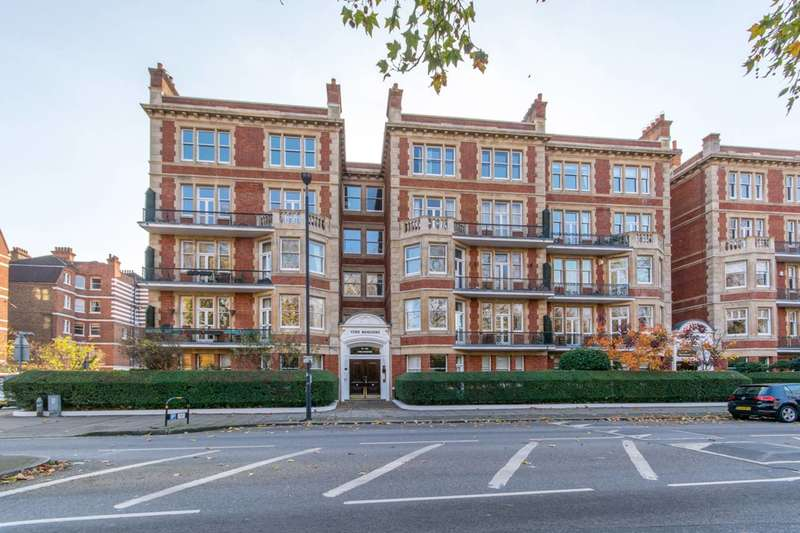 4 Bedrooms Flat for sale in Prince of Wales Drive, Battersea Park, SW11