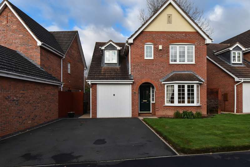 3 Bedrooms Detached House for sale in Appletrees Crescent, Bromsgrove, Worcestershire, B61