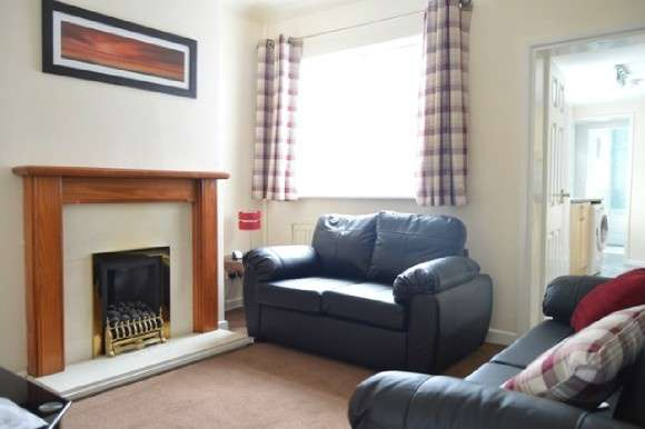 4 Bedrooms Terraced House for rent in Dunkirk Street, Newcastle-Under-Lyme, Newcastle-Under-Lyme