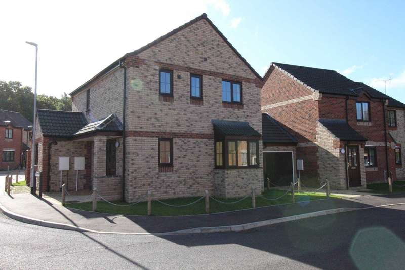 3 Bedrooms Detached House for sale in Maple Drive, Necton