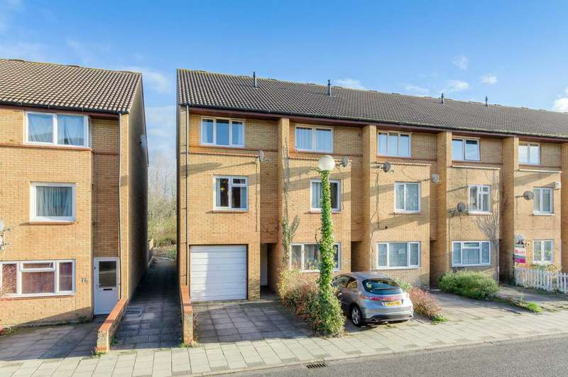 3 Bedrooms End Of Terrace House for sale in Shackleton Place, Oldbrook