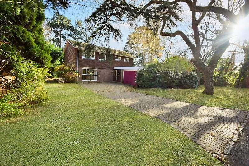 4 Bedrooms Detached House for sale in Dower Park, Windsor, SL4